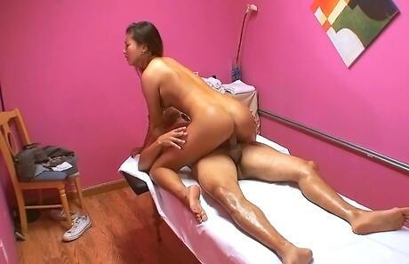 Bubble Butt Asian Porn